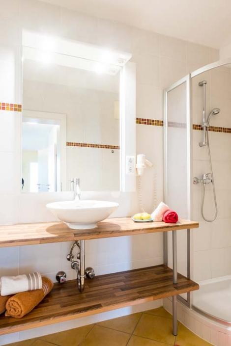 Waschbecken & Dusche Apartment 2
