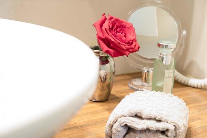 Handtücher werden zur Verfügung gestellt in den Lakeside Apartments